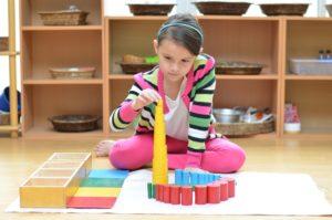 Le materiel et les activités Montessori