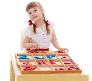 Apprentissage de l'écriture avec la pédagogie Montessori