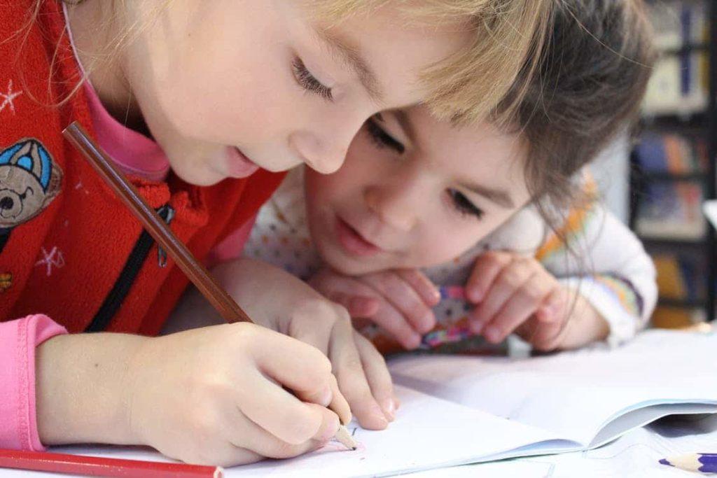 L'art de plonger au cœur des dessins des enfants