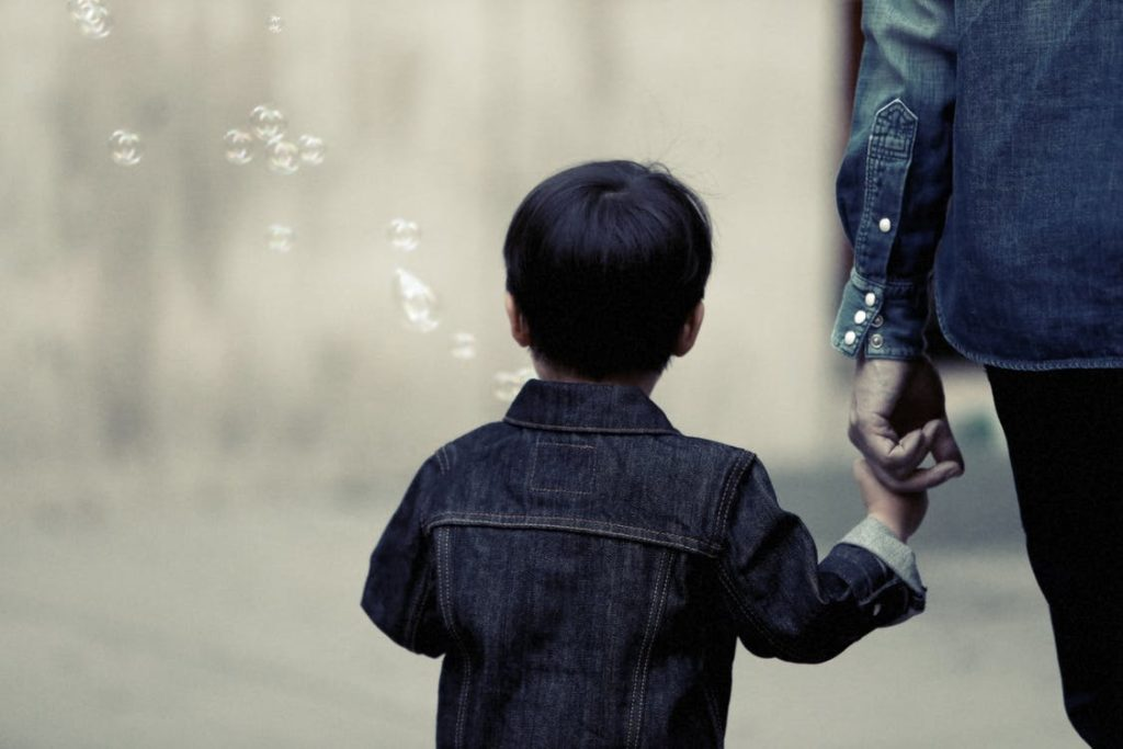 Comment choisir une bonne école Montessori pour son enfant ?