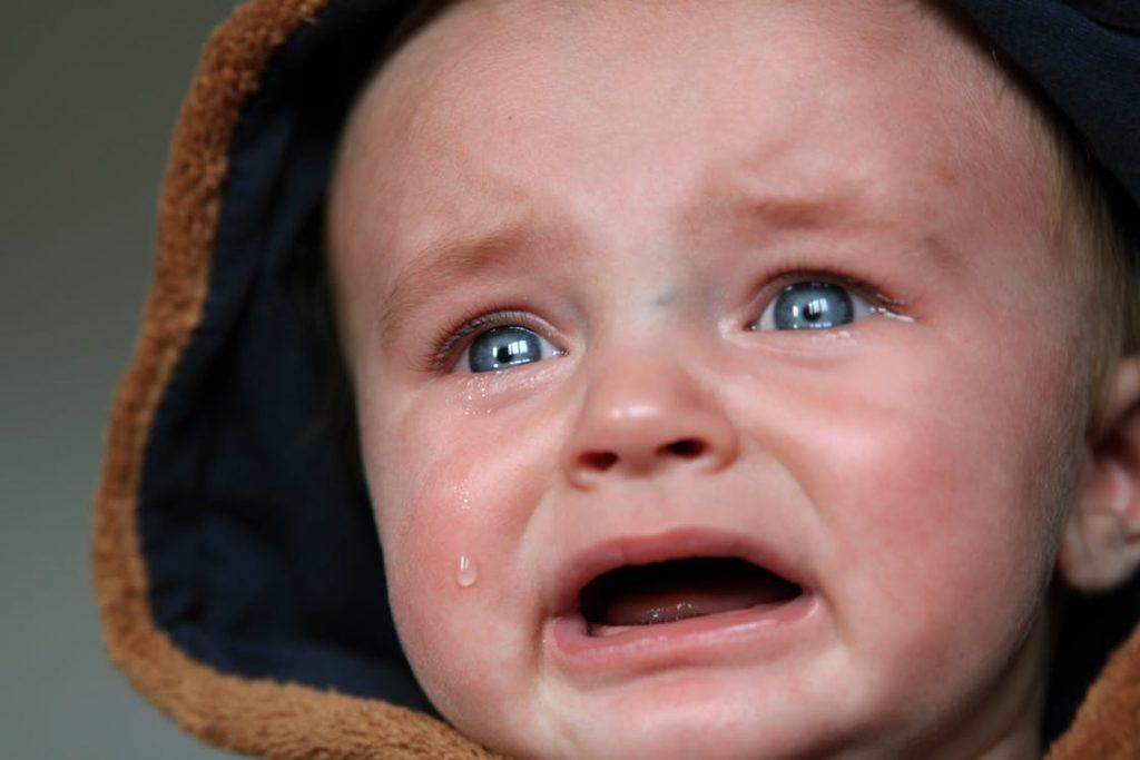Enfant hyper-émotif ou hypersensible : Que faire ? Comment réagir ?