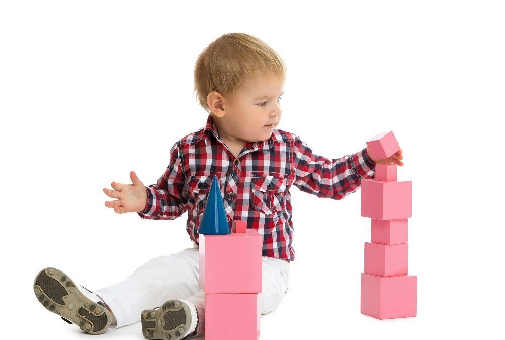 Les ateliers Montessori pour les enfants et les parents