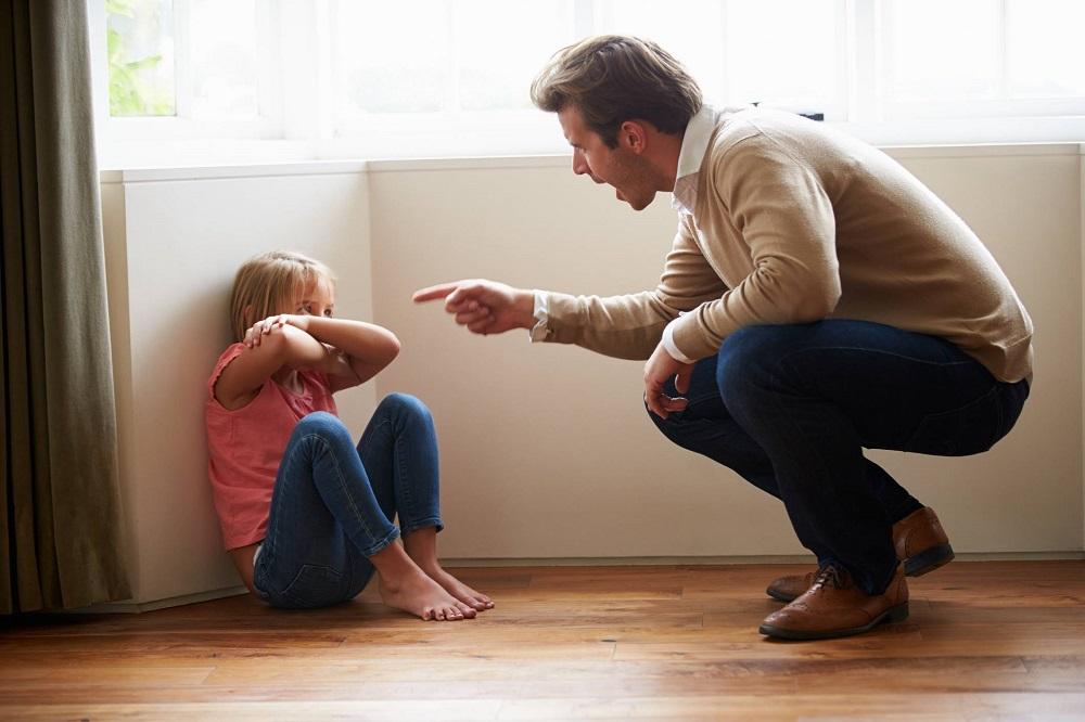 Les douces violences pratiquées à la maison et en crèche